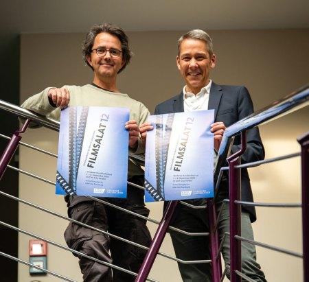 Der Verdener Fotograf Arne von Brill (links) leitet das Festivalbüro des 12. Verdener Kurzfilmfestivals.