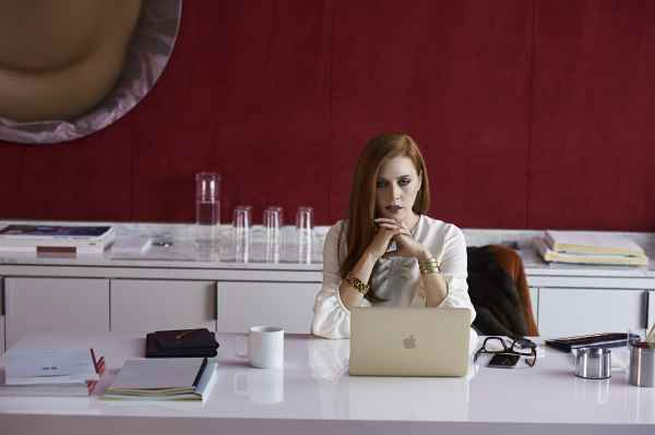 nocturnal animals 2016 film trap keenan marr tamblyn
