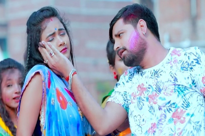 Khela Bhauji Holi by Rakesh Mishra-Filmynism