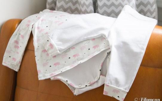 Un body-robe Ours Polaire et un petit pantalon