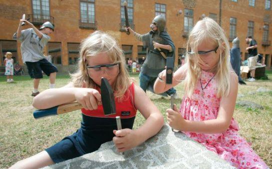 Παρανοϊκά πειράματα εις βάρος των παιδιών μας