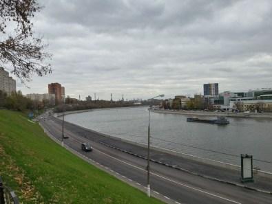 Москва-река, вид с подворья.