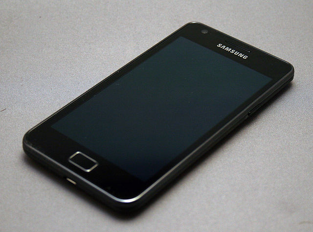 640px-Samsung_Galaxy_S_II_(3)