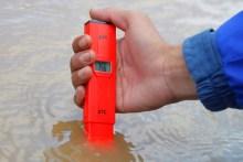 The water pH - Photograph by Nova Rachmad Basuki