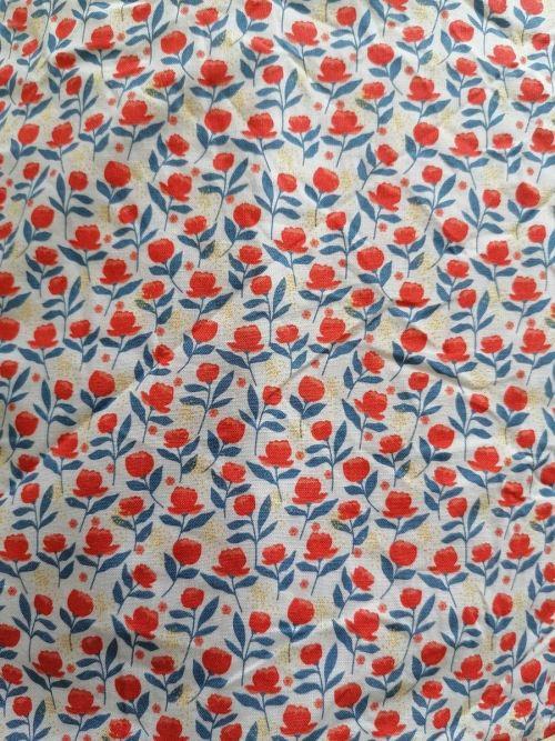Serviette hygiénique Protège slip fleur rouge et bleue