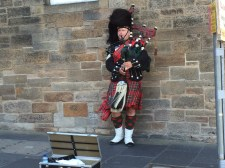 The obligatory picture of the bagpiper