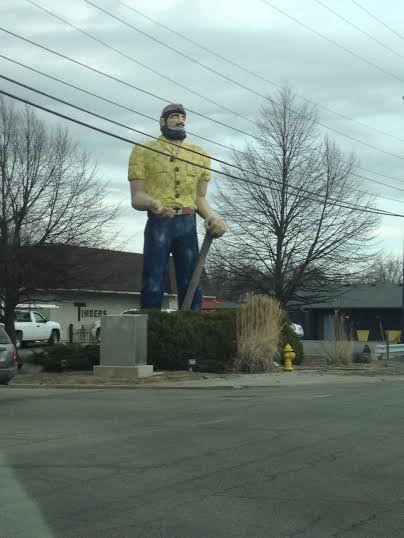 Indiana loves giant bewildering statues...and so do WE!