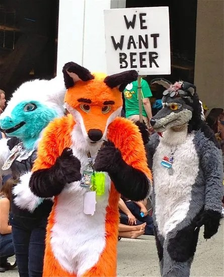 Furries have priorities (all photos by Mama for Filthy Dreams)