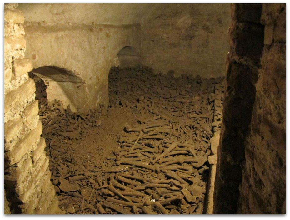 visit-lima-human-bones