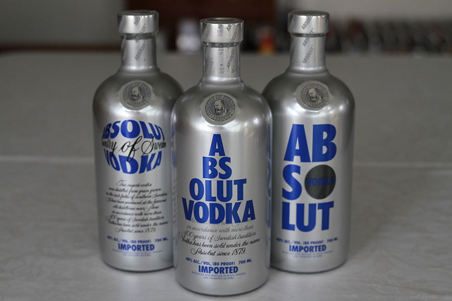 Absolut Chrome 3 x 0,7 liter. One of each