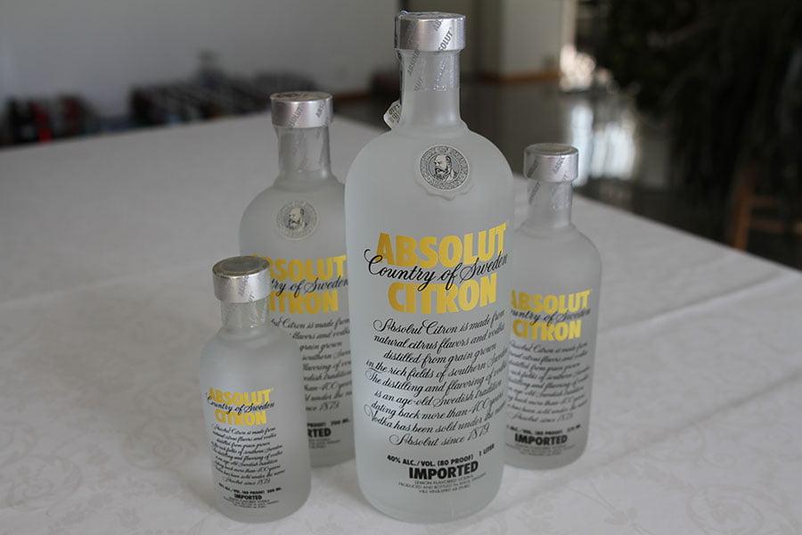 Absolut Citron 1 x 1 liter & 1 x 0,7 liter & 1 x 0,375 liter & 1 x 0,2 liter