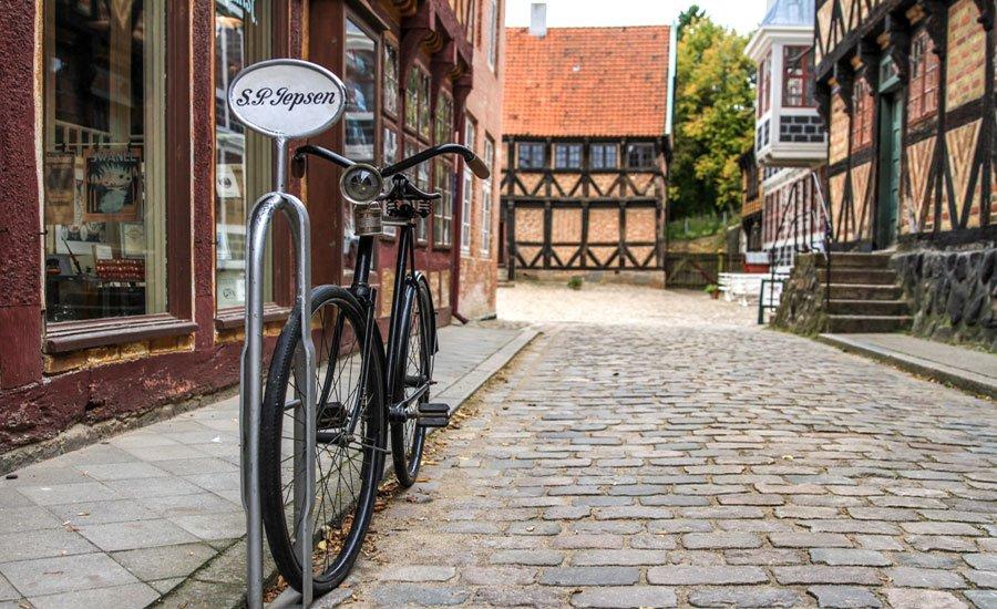 Cycle in Den Gamle By Aarhus