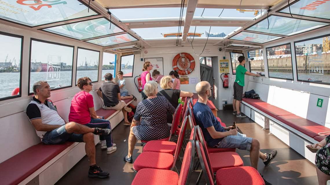 Boat ride with Barkassen-Meyer in Hamburg