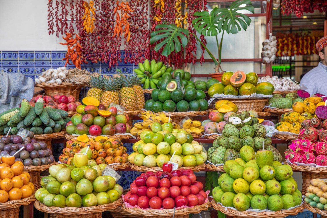 Farmers Market has alot of fruit- Mercado Dos Lavradores