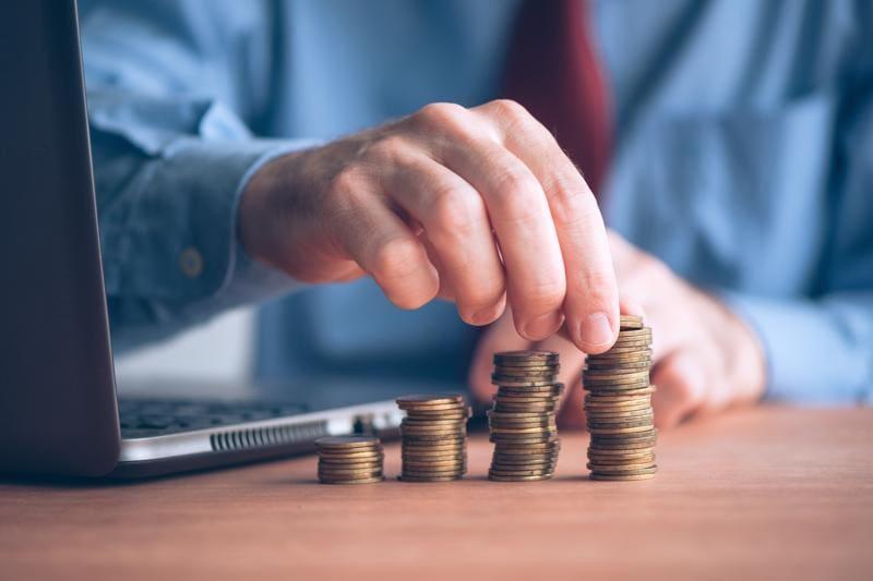 Investidores fazem o seu dinheiro crescer com o tempo.