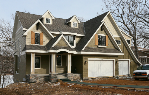 The home at 6443 McCauley Terrace in Edina overlooks Arrowhead Lake (Photo: Bill Klotz)