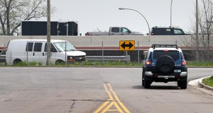 A vehicle reaches the end of the road on 77th Street in Richfield, as seen on the west side of Cedar Avenue. A proposed underpass project, which received a grant in the state bonding bill, would improve access to the area. (Staff photo: Bill Klotz)