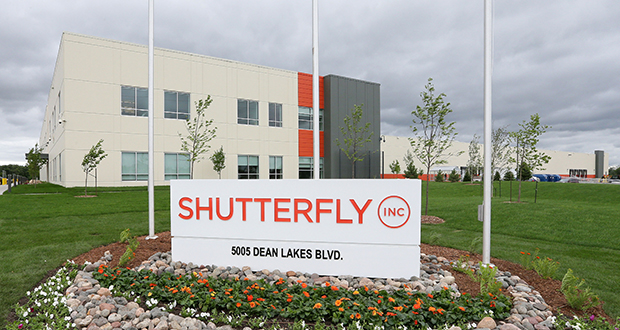 The 217,622-square-foot Shutterfly building is at 5005 Dean Lakes Blvd. in Shakopee. (Staff photo: Bill Klotz)