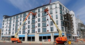 Minneapolis-based Schafer-Richardson plans to open Red20, a 130-unit apartment complex at 20 Sixth St. NE in Minneapolis, in about 90 days. The building is 19 percent leased. (Staff photo: Bill Klotz)