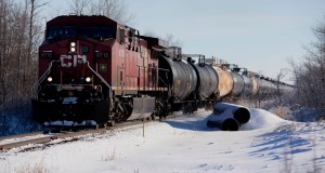 A Canadian Pacific Railway Ltd. train transporting oil leaves Hardisty, Alberta, on Dec. 7, 2013.  Increased rail capacity has been built in Alberta and other pipelines are considering expansion in the six years since the proposal of the Keystone XL oil pipeline, reducing the U.S. need for the project. (Bloomberg file photo: Brett Gundlock)