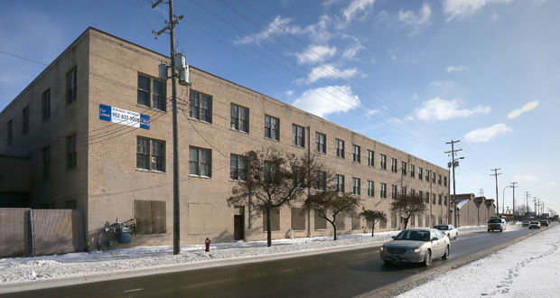 Dominium will seek a historic designation for this 1920s-era building at 4041 Hiawatha Ave. in Minneapolis, which the developer wants to convert into affordable rentals. (Staff photo: Bill Klotz)