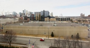 Shamrock Development plans to buy and tear down the Cenveo plant at 121 12th Ave. S. in downtown Minneapolis. The developer expects to develop the site as two condo towers. (Submitted photo: CoStar)