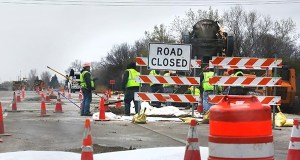 Lawmakers are debating spending plans for Minnesota road construction such as this work zone on the southbound lanes of I-494 near County Road 6 in Plymouth. Language in both the House and Senate bills would boost the role of the private sector in transportation projects. (File photo: Bill Klotz)