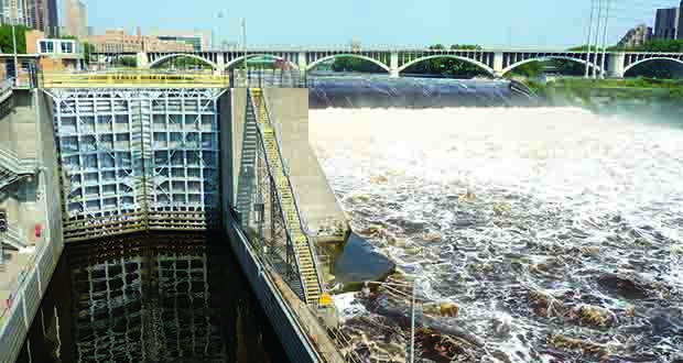 Congress approved the closing of the Upper St. Anthony Lock in Minneapolis in order to stop the spread of invasive carp up the Mississippi River. (File photo)