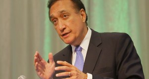 Former Housing and Urban Development Secretary Henry Cisneros speaks at a housing conference Wednesday at the Hyatt Regency in downtown Minneapolis. (Staff photo: Bill Klotz)