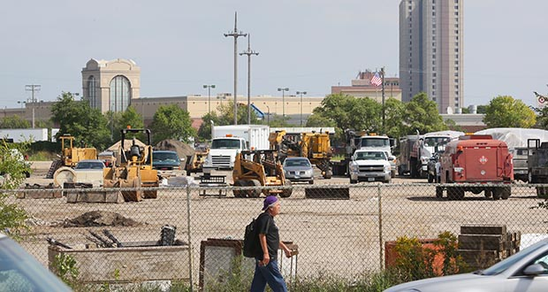 St. Paul and Ramsey County have each passed nonbinding resolutions supporting a stadium site at Snelling and University avenues near Interstate 94 in St. Paul. (File photo: Bill Klotz)