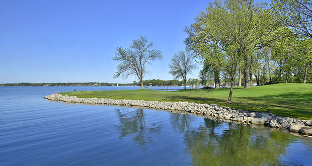 This Lake Minnetonka shoreline at 433 Bushaway Road in Wayzata sat on the market for years before an old home owned by Lyle Berman was torn down and buyers could see its potential. (Submitted photo: Ellen DeHaven)