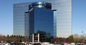 The 605 Waterford Park office building, at 605 N. Highway 169 in Plymouth, has a nearly 90 percent occupancy rate. (Submitted photo: CoStar)