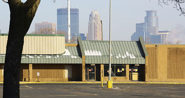 The city of Minneapolis paid nearly $5.28 million in cash to purchase the former Sullivan grocery store site at 30 W. Lake St. The now closed store is just west of the Kmart that blocks Nicollet Avenue at Lake Street. (Staff photo: Bill Klotz)