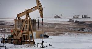A pumpjack operates at an oil well Feb. 15, 2015, in Williston, North Dakota. (Bloomberg file photo)
