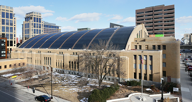Swervo Development is rehabbing the Minneapolis Armory into an event center at 500 Sixth St. S. in downtown, which could soon be designated a local historic landmark. (Staff photo: Bill Klotz)