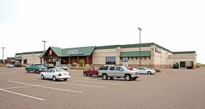 Gander Mountain will close the 67,000-square-foot store it owns at 10470 Hudson Road in Woodbury. The store, built in 2005, is 3 miles from the Cabela's location in Woodbury. (Submitted photo: CoStar)