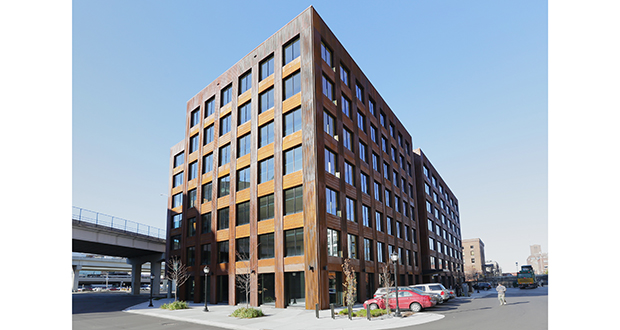 The T3 building embraces timber construction to create a building that stands out in Minneapolis' North Loop neighborhood. (Staff photos: Bill Klotz)