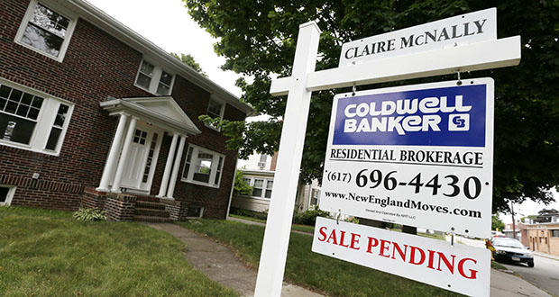 The National Association of Realtors said Wednesday they expect fewer homes to be sold in 2017 than were sold in 2016. This Quincy, Massachusetts, home's sale was pending in July. (AP file photo)