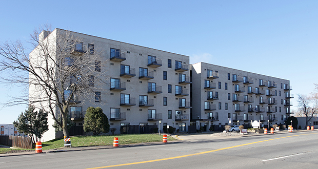 Sage Apartment Communities paid $14.2 million for the 129-unit Knollwood Towers East at 320 Blake Road N. in Hopkins. (Submitted photo: CoStar)