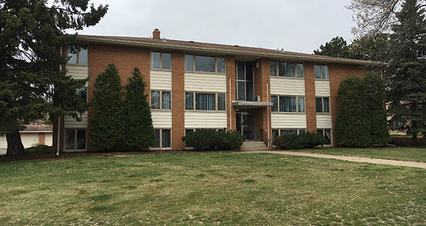 An 11-unit apartment building at 7008 Sandall Ave. in Edina is one in a 16-property portfolio Minneapolis-based Aeon intends to purchase this month. (Staff photo: Matt M. Johnson)