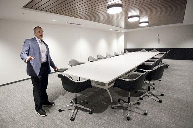 g-opus-board-room