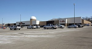 A 202,669-square-foot Mills Fleet Farm at 17070 Kenrick Ave. in Lakeville that a local investor purchased on Nov. 5 is leased until at least 2041. (Submitted photo: CoStar)