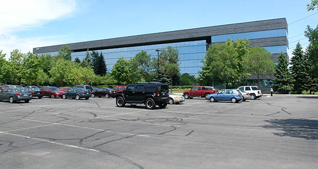 An office building at 6900 Wedgwood Road N. in Maple Grove that had seen its occupancy dip a couple years ago is now nearly full. (Submitted photo: CoStar)