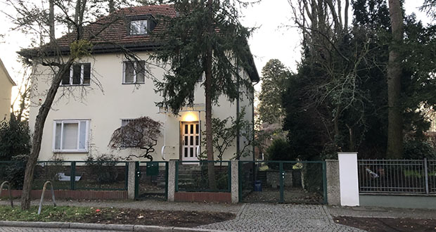 Dahlem, one of Berlin's most affluent neighborhoods, features multiple villas that offer multifamily housing mixed within single-family homes. (Bloomberg photo: Justin Fox)