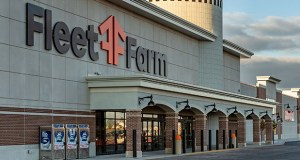 A 218,628-square-foot Fleet Farm completed at 1555 Pabst Farms Circle in Oconomowoc, Wisconsin, in 2018 is the first property Minneapolis-based SR Realty Trust has purchased in Wisconsin. (Submitted photo: SR Realty Trust)