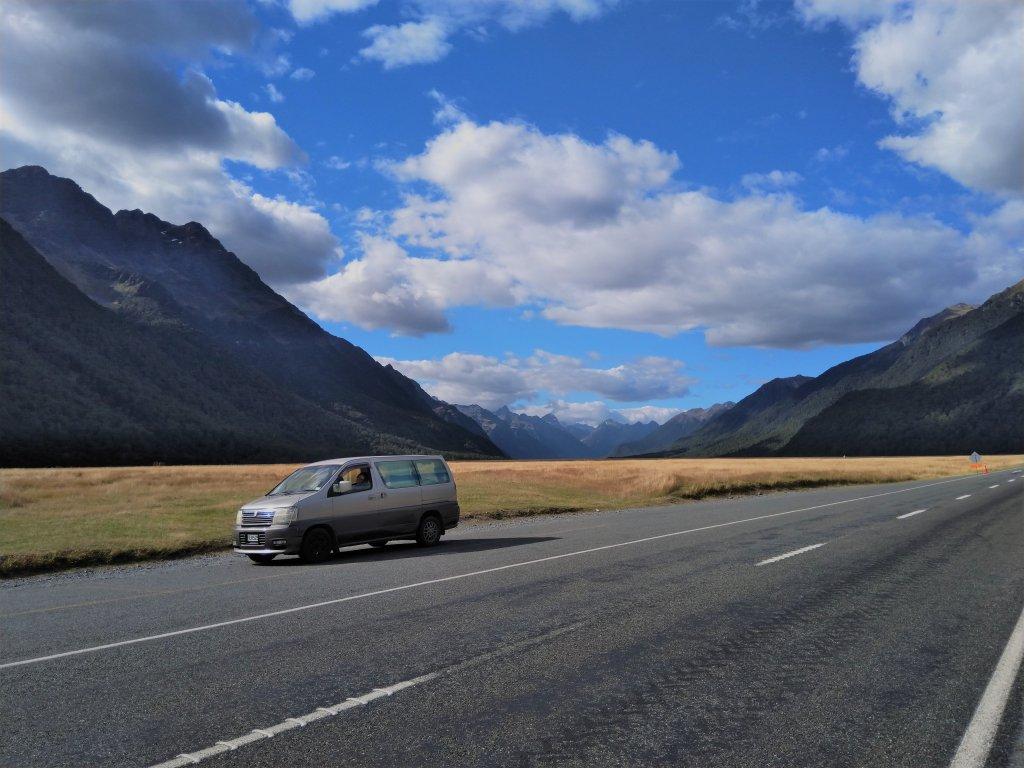 NZ campervan kopen Nissan Elgrand