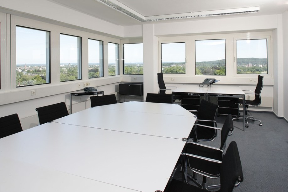 conference-room-170641_960_720