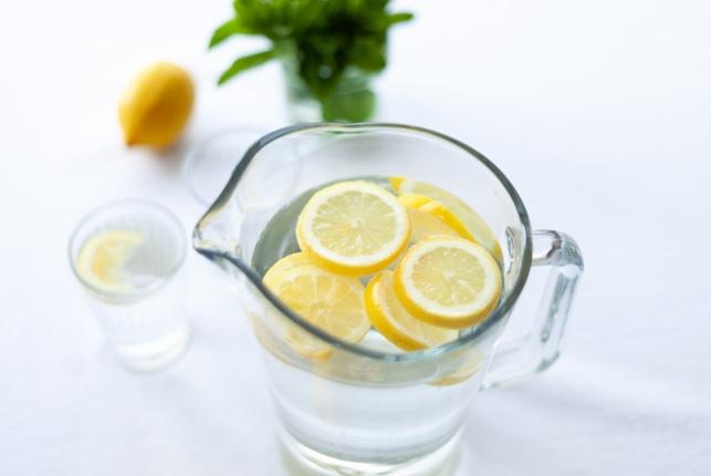 is-lemonade-stock-a-buy.jpg