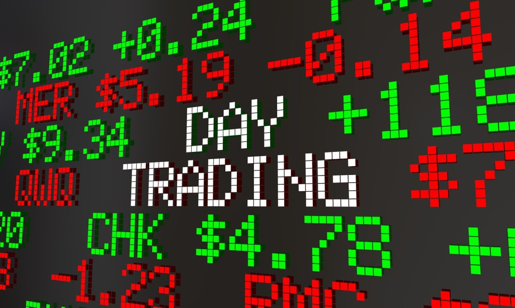 Technical Analysis vs Fundamental Analysis: Which Should You Use if You're Day Trading?