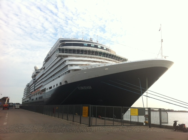 How To Save Money On Cruise Vacations